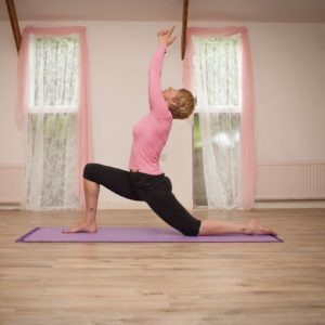 Yoga beginner yoga classes Newton Abbot ladies in yoga meditating in Pilates studio Newton Abbot yoga